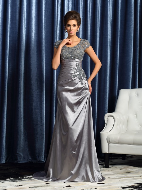 Brush Train Silver Short Sleeves Mother of the Bride Dresses with Beading