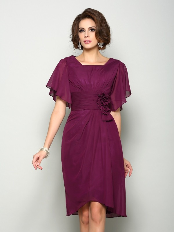 Short Sleeves Square Knee-Length Mother of the Bride Dresses with Hand-Made Flower