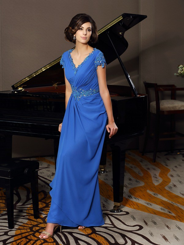 Floor-Length Royal Blue Short Sleeves V-neck Mother of the Bride Dresses with Beading