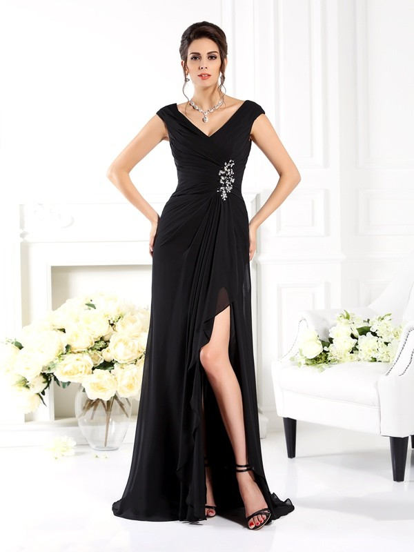 V-neck Brush Train Black Mother of the Bride Dresses with Ruffles