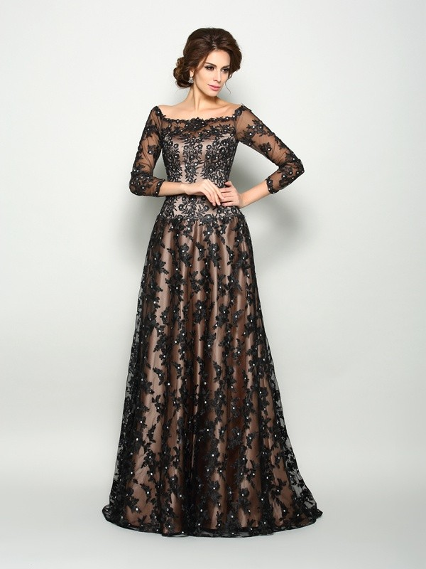 Black Off-the-Shoulder Court Train Mother of the Bride Dresses with Lace