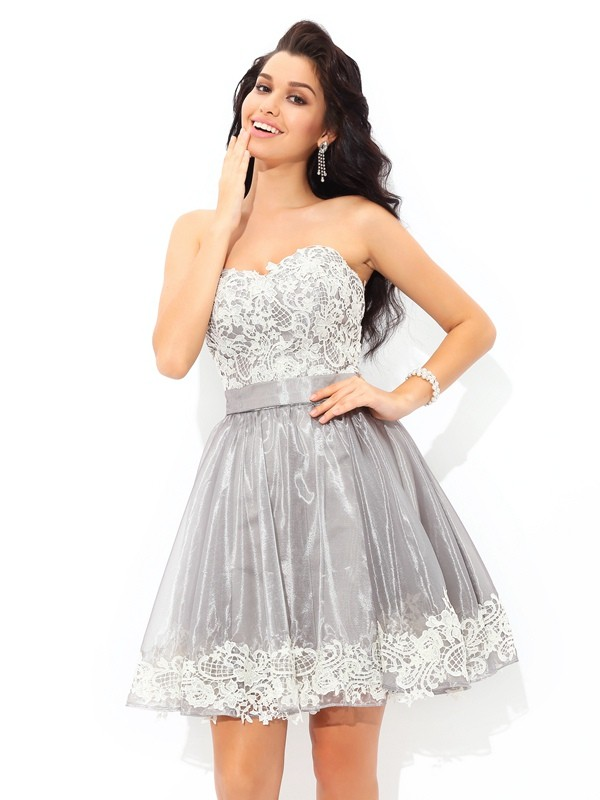 Short/Mini Grey Sweetheart Homecoming Dresses with Lace