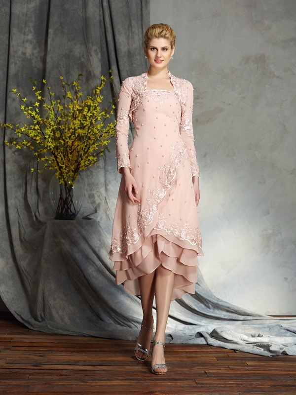 Strapless Knee-Length Pink Mother of the Bride Dresses with Applique
