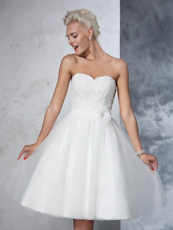 A-Line Net Sweetheart Knee-Length Wedding Dresses