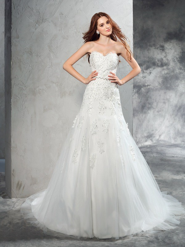 Sheath Sweetheart Court Train Ivory Wedding Dresses with Applique