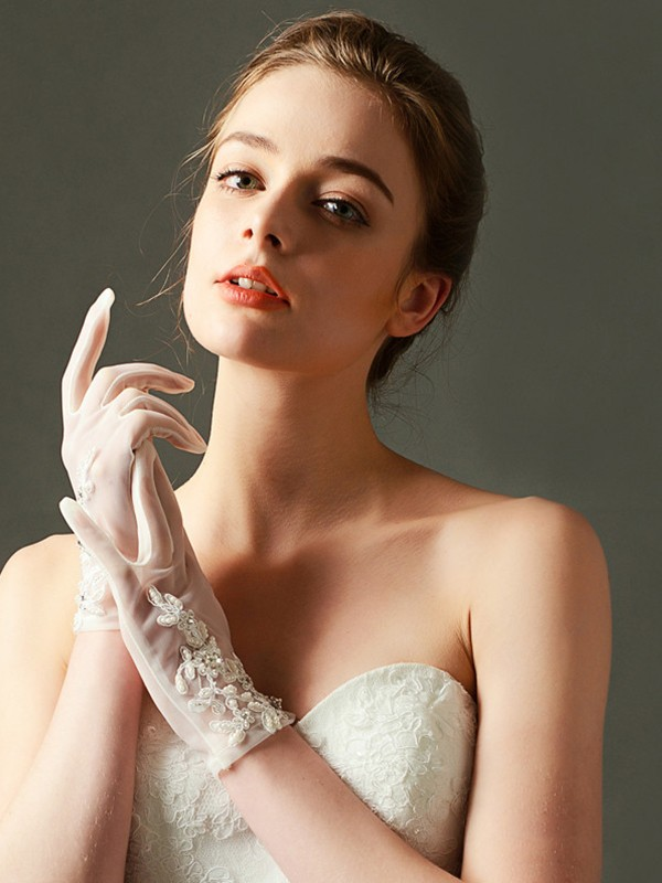 Brilliant Tulle With Applique/Pearl Wrist Length Wedding Gloves