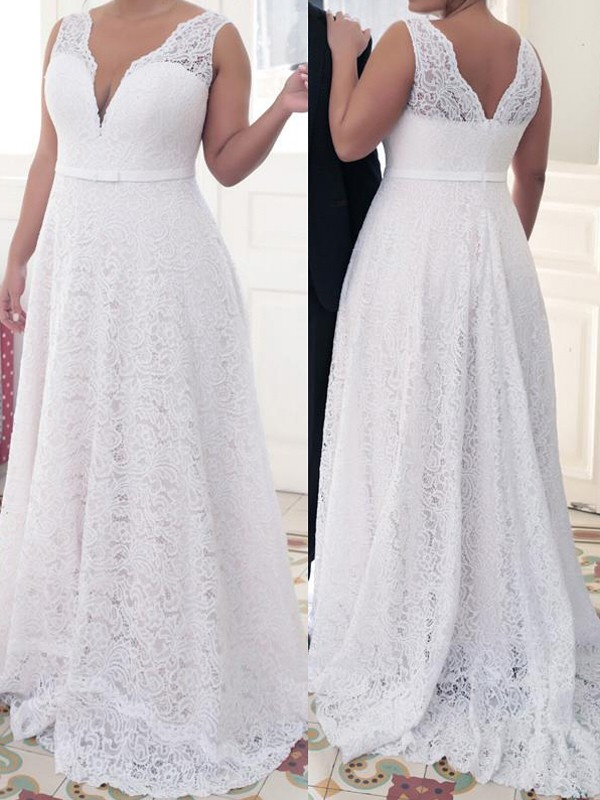 Brush Train White V-neck Prom Dresses with Lace