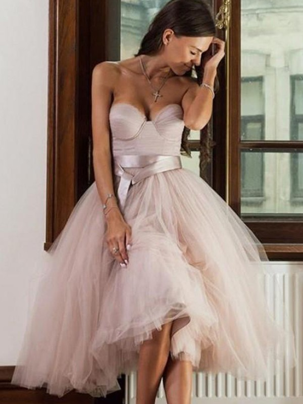 A-Line/Princess Tulle Sash/Ribbon/Belt Sweetheart Sleeveless Tea-Length Cocktail Dresses