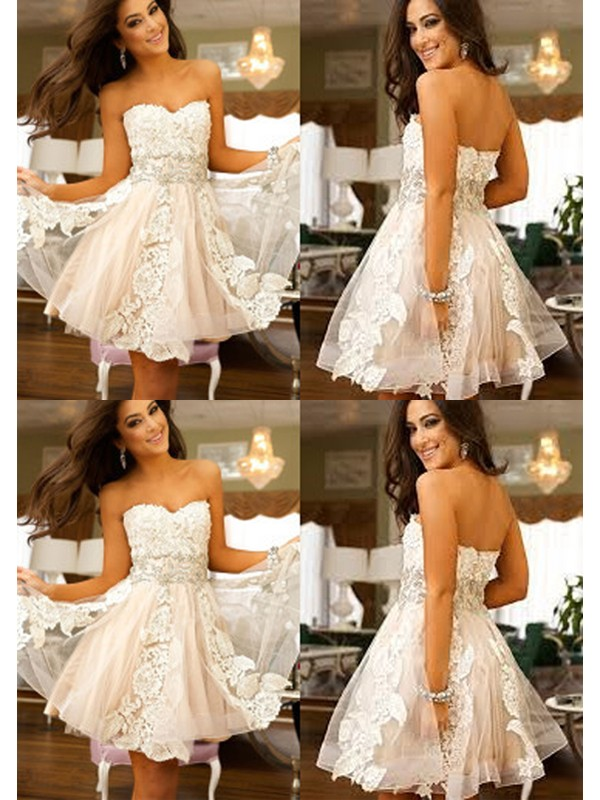 A-Line Tulle Sweetheart Short Homecoming Dresses with Applique