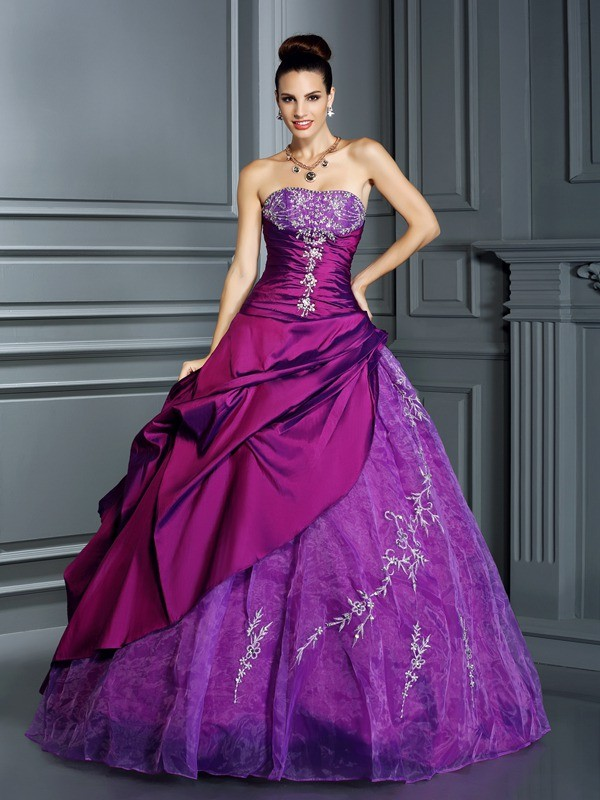 Regency Ball Gown Strapless Floor-Length Prom Dresses with Applique