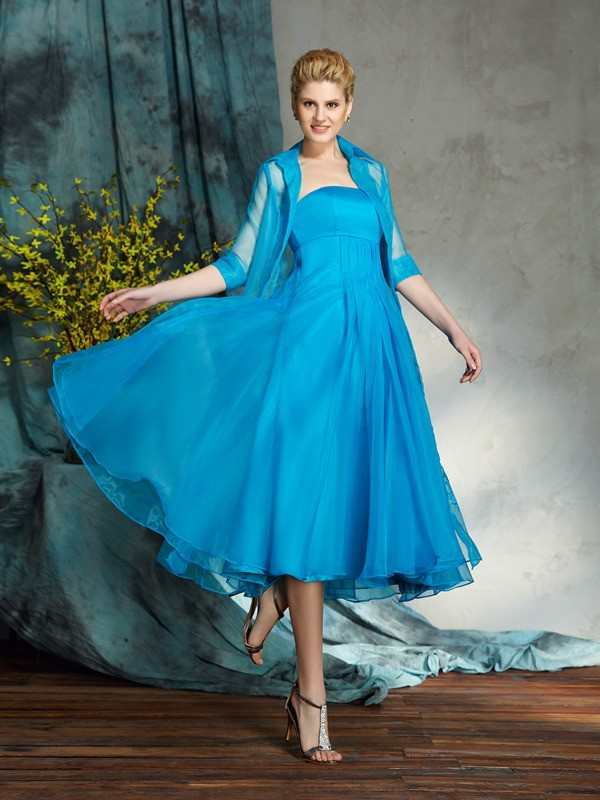 Knee-Length Blue Strapless Mother of the Bride Dresses with Applique