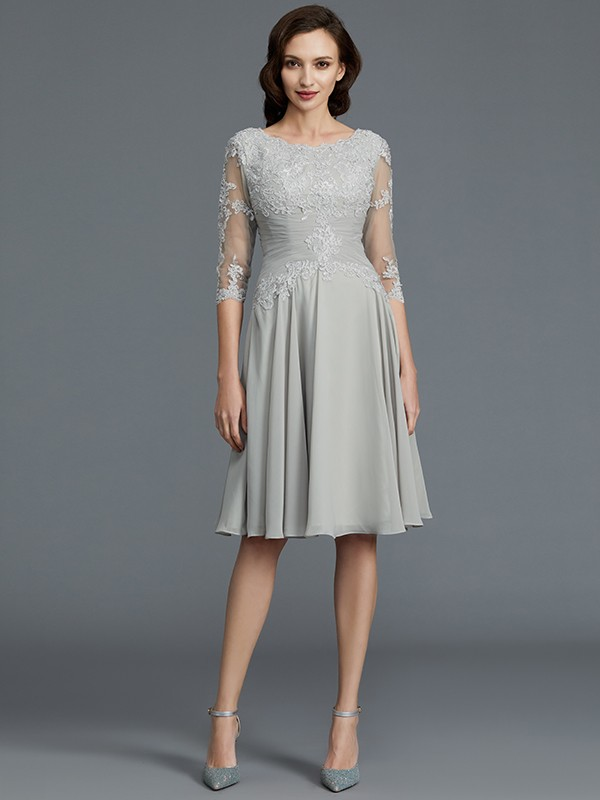 Silver Scoop Chiffon Knee-Length Mother of the Bride Dresses