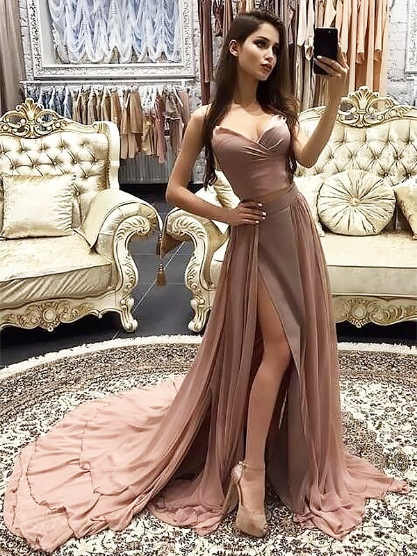 Brush Train Pearl Pink Sweetheart Prom Dresses with Layers