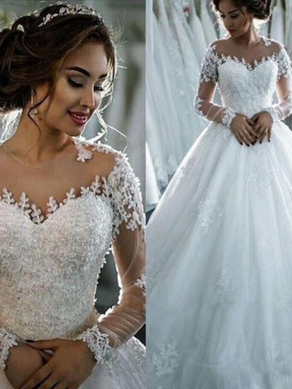 Ball Gown Bateau Court Train Ivory Wedding Dresses with Beading