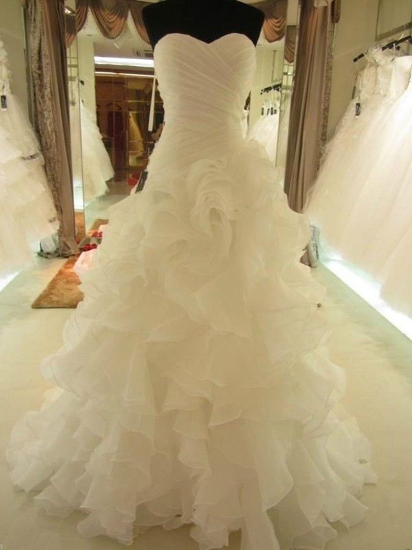 Ball Gown Sweetheart Court Train White Wedding Dresses with Ruffles