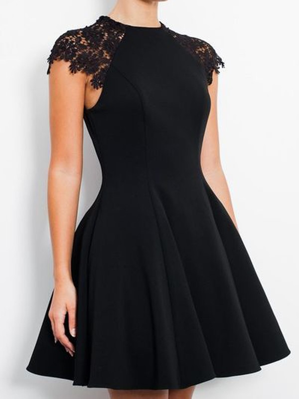 Scoop Short/Mini Black Homecoming Dresses with Lace