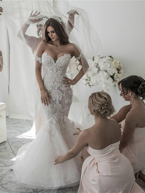 Tulle Off-the-Shoulder Chapel Train Ivory Wedding Dresses
